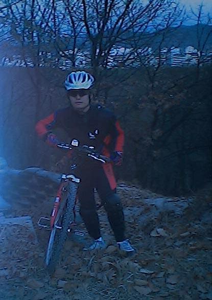 자전거에 의지하고 샷